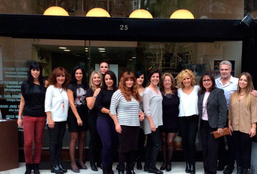 Equipo de micropigmentación asistente al encuentro en San Sebastián