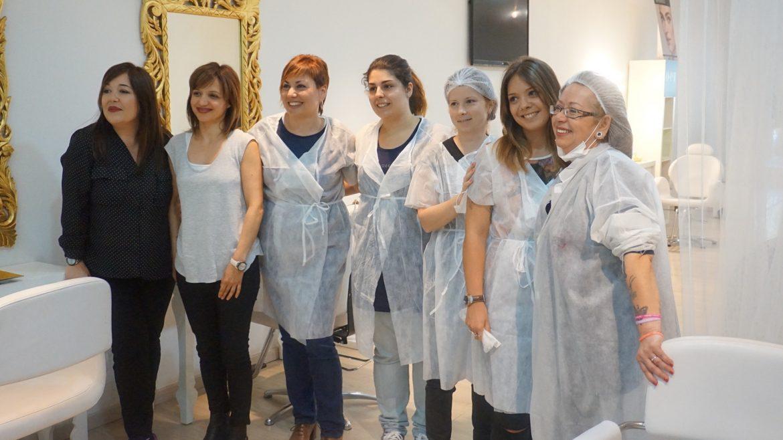 Clase demostración de micropigmentación de labios a cinco alumnas del I.E.S Espallargas de Tarragona