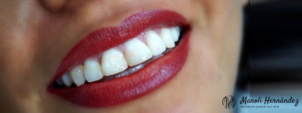Después de un tratamiento de micropigmentación facial en labios